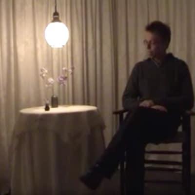 Emily Dickinson | installatie | The soul unto itself | Videoregistratie en foto's van een installatie om de stilte van deze Amerikaanse dichteres te ervaren.