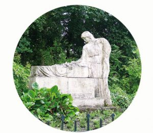 Monument gestorven Franse vluchtelingen. 1918. wo-I. Nederland, Maastricht. Onderdeel Toren van Babel, Kunstinstallatie ©Helena van Essen